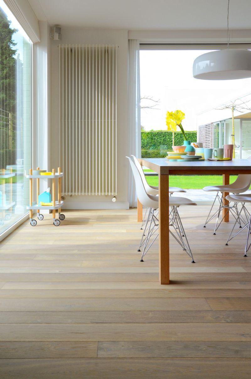 Het idee is dat de consument eerst de gewenste stijl kiest om pas daarna de drager voor de parketvloer en de dikte en breedte ervan te bepalen.