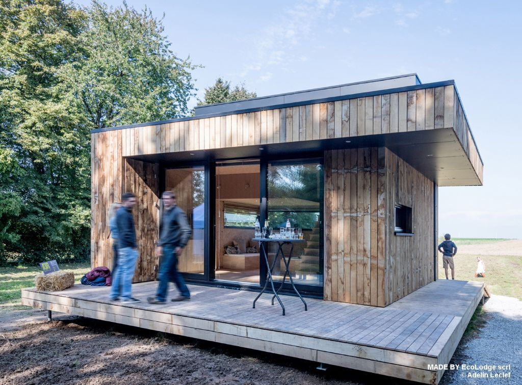Le Wald-cube original, disponible en plusieurs versions, avec ou sans étage, avec une surface habitable allant de 25 à 63 mètres carrés, sans compter la terrasse