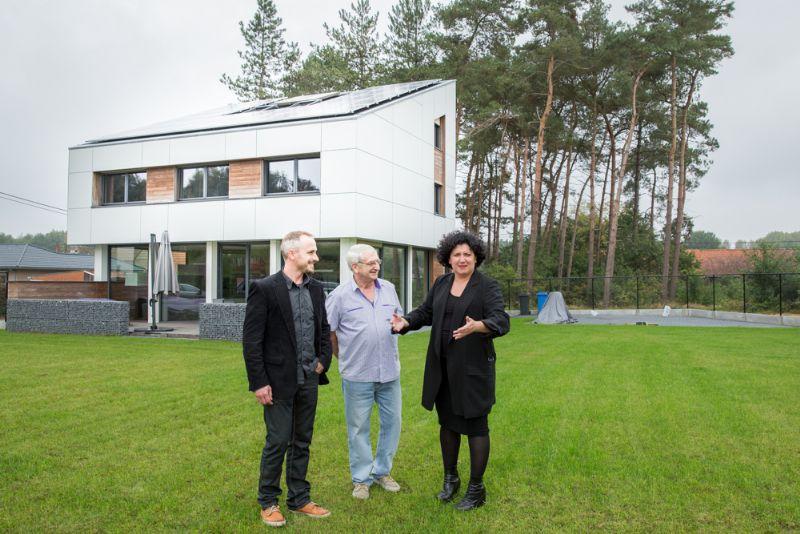 Minister Turtelboom opent Mijn Huis Mijn Architect. Architect: Stijn Van Craen.