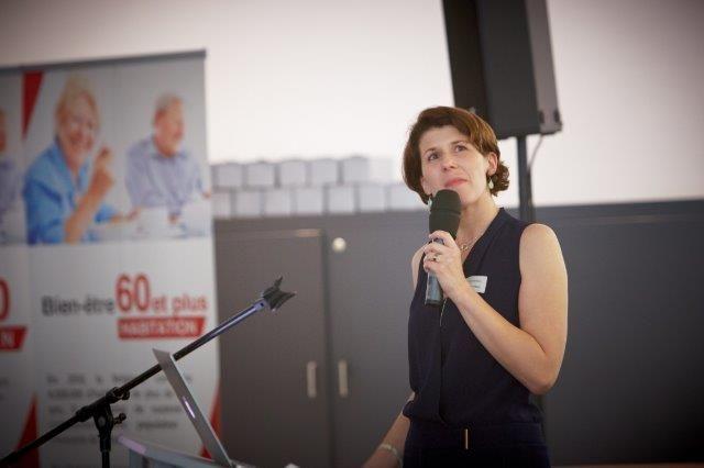 Anneleen Vandenberk formuleerde in naam van het Kenniscentrum 60plus enkele richtlijnen ter ontwikkeling van een zorg die maximaal geïntegreerd is in het stedelijk en maatschappelijk leven.