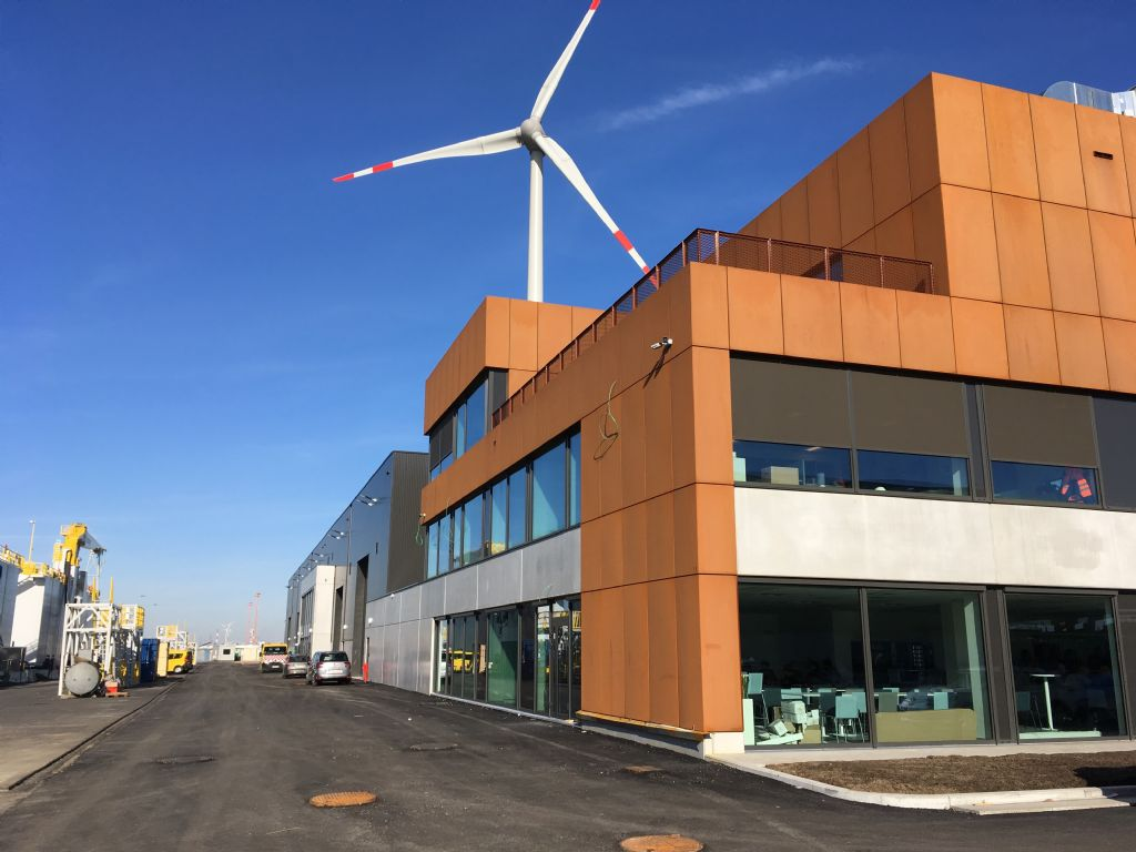 a-tract architecture ontwerpt nieuwe huisvesting centrale werkplaatsen Haven Antwerpen