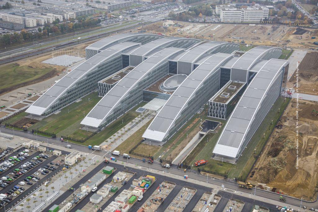 Habillage de façade et protection solaire Renson pour le quartier général de l'OTAN