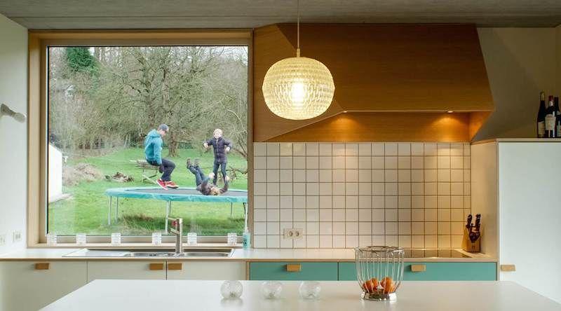 De tentoonstelling 'Nieuwe Nuchterheid' in de C-Mine in Genk toont de architectuur via maquettes en de alledaagse relaties van 5 woningen met hun bewoners via films. De thema's zijn context, 'ouderwets' vakmanschap en maakbaarheid.
