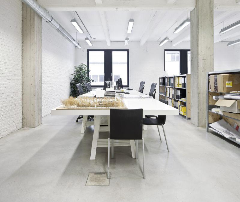 Het resultaat is een licht en ruim gebouw met voldoende comfort.