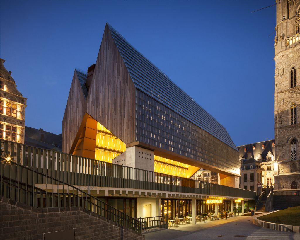 Promat beschermt de schouwen van de Stadshal in Gent
