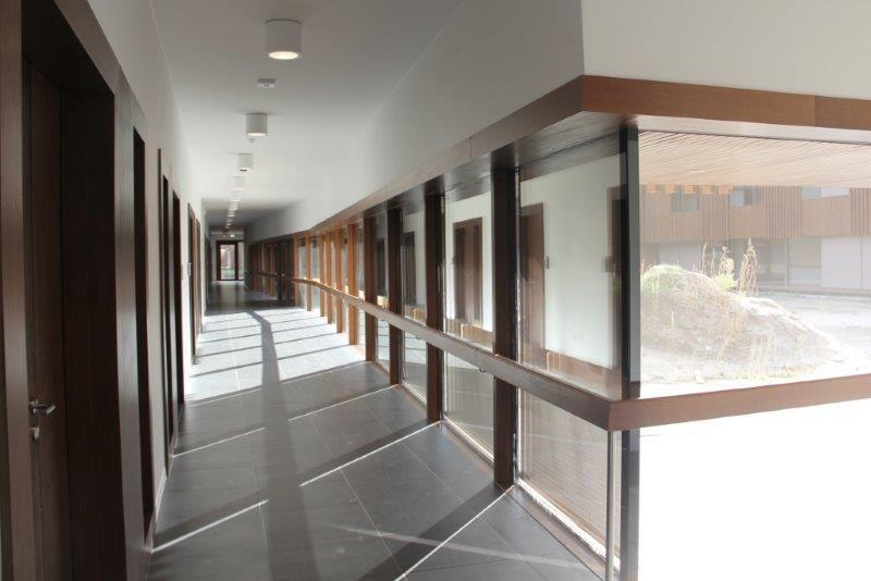 Het zand uit de bouwput diende als inspiratie en referentie voor de selectie van de baksteenkleur. (Foto: Van Belle & Medina Architects)