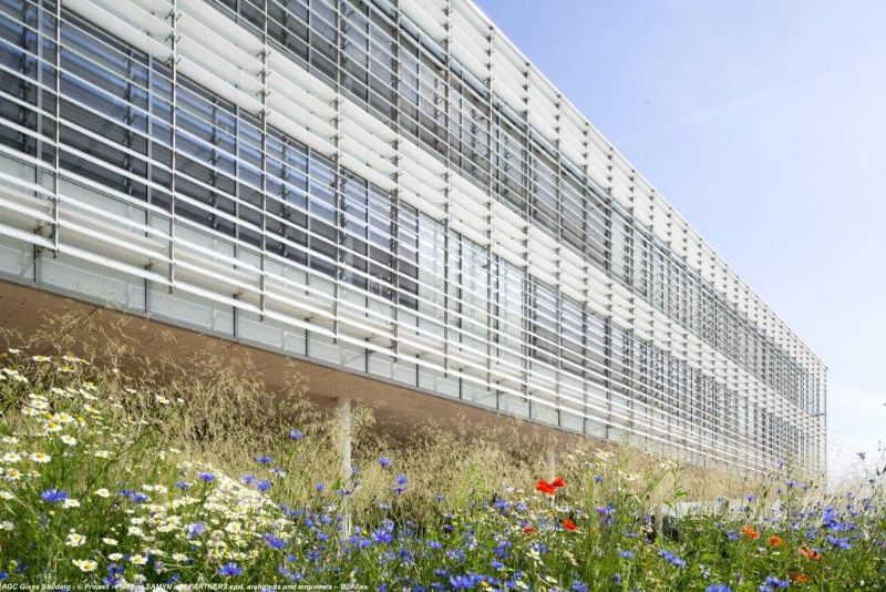 Samyn & Partners en BEAI schenken AGC Glass transparant onderkomen in Louvain-la-Neuve