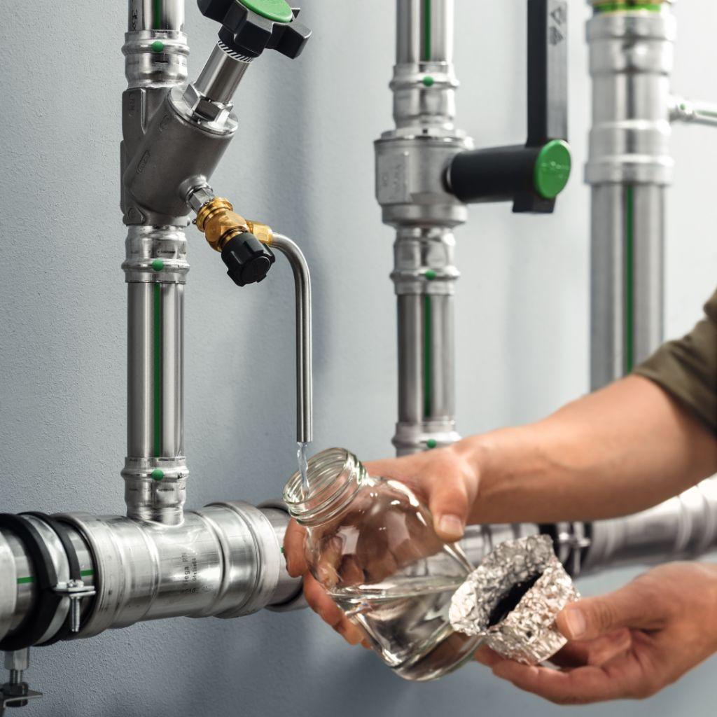 Viega et le CSTC : une eau potable saine lors de la réouverture de l'HORECA et des centres sportifs