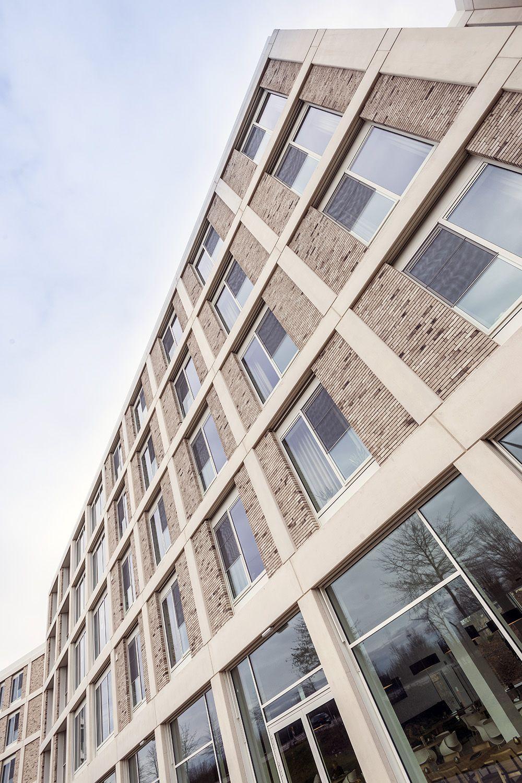 Eind 2017 verhuisden de bewoners van het Lanaakse woonzorgcentrum Huize Sint-Anna naar een nieuw gebouw op dezelfde site, dat de naam Ludinaca kreeg. (Beeld: Marc Sourbron)