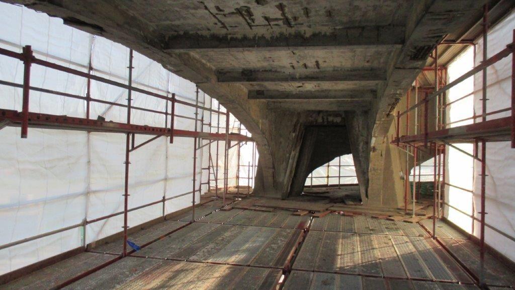 De passerelle op de voormalige mijnsite in Waterschei is er structureel niet al te best aan toe. Er zijn dan ook heel wat betonrenovatie-ingrepen nodig om ze een nieuwe bestemming te kunnen geven.