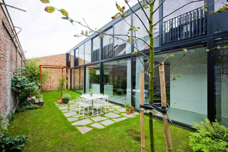 Residentiële gebouwen: Architectuuratelier met woning / architectuuratelier 9a, studiebureau Wim Vermeulen