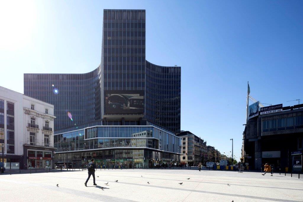 The Mint verrijkt de dialoog tussen het erfgoed van de Muntschouwburg en de commerciële pool van het Muntcentrum. (Beeld: Nathalie Van Eygen)