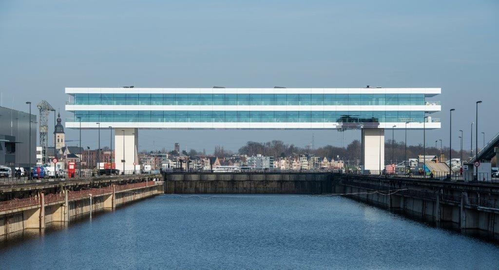 Het nieuwe hoofdkwartier van Cordeel in Temse is een heuse eyecatcher. (Foto: Limeparts-Drooghmans)