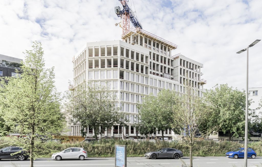 Stramien transformeert kantoorgebouw op Antwerpse Rijnpoortvest tot hedendaags woonproject