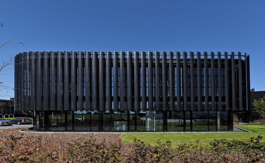 Duco verzorgt gevelbekleding van indrukwekkend Antwerps kantoorgebouw