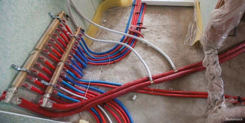 Het toegenomen aantal in te bouwen leidingen zorgt voor een verhoging van de dekvloer