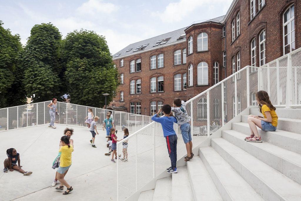 ZAmpone architectuur sort lauréat dans la catégorie Rénovation avec la crèche Robbedoes à Schaerbeek