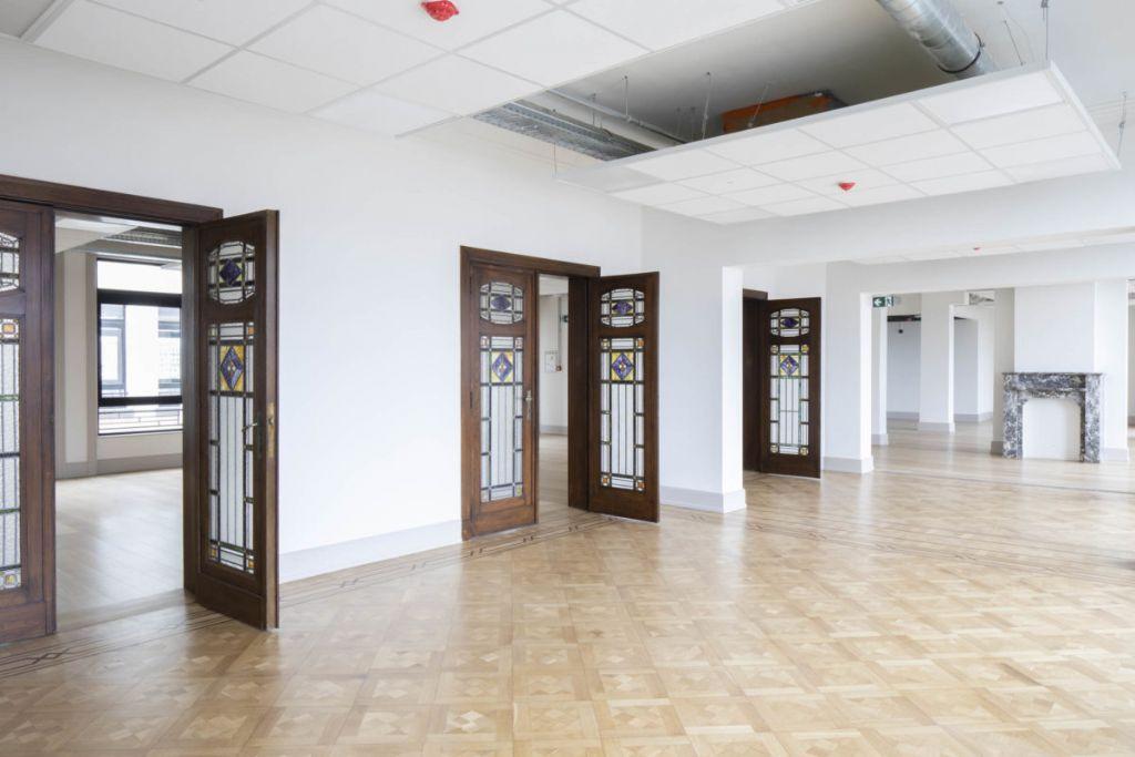 Uitzonderlijke renovatie voor exceptioneel gebouw (DDS+, adr architectes)