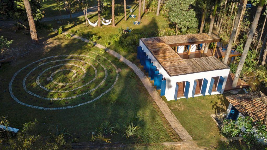 CRU! architecten bouwt bijzondere kunstgalerij in Brazilië