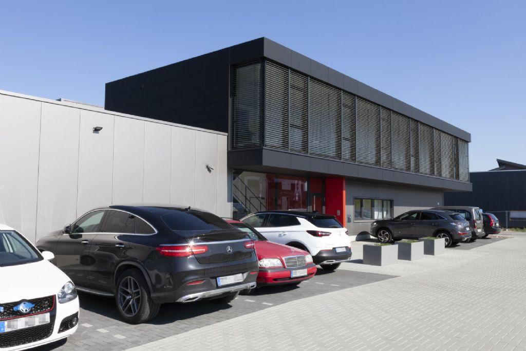 La façade ventilée comme deuxième pilier de l'activité : un couvreur allemand donne l'exemple
