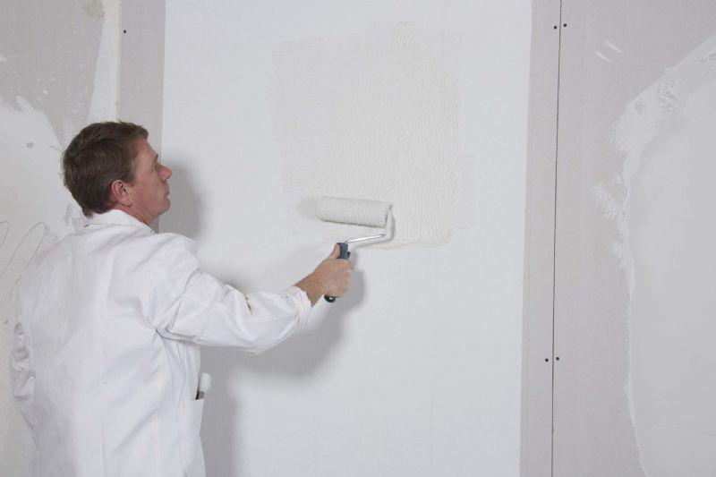 Propaint Roll & Spray  kan gebruikt worden als schraaplaag of voor het gladzetten voordat verven en gelijmde bekledingen worden aangebracht.