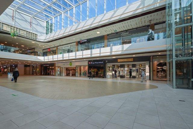Westland Shopping voorzien van aluminium profiel entreematten