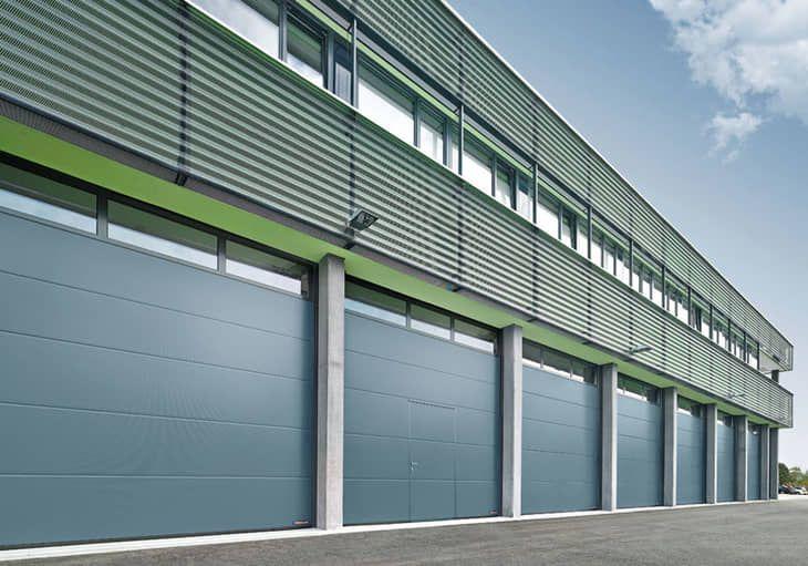 Série 60 : une nouvelle génération de portes sectionnelles industrielles