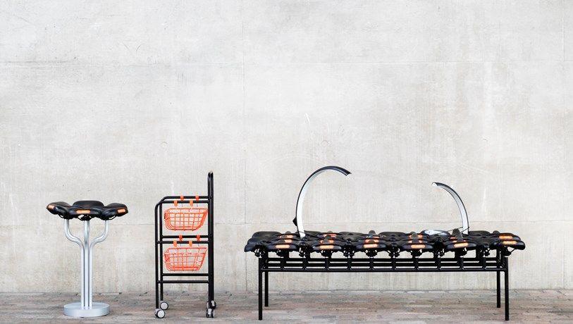Deelfietsen vervolledigen onafgewerkte meubels