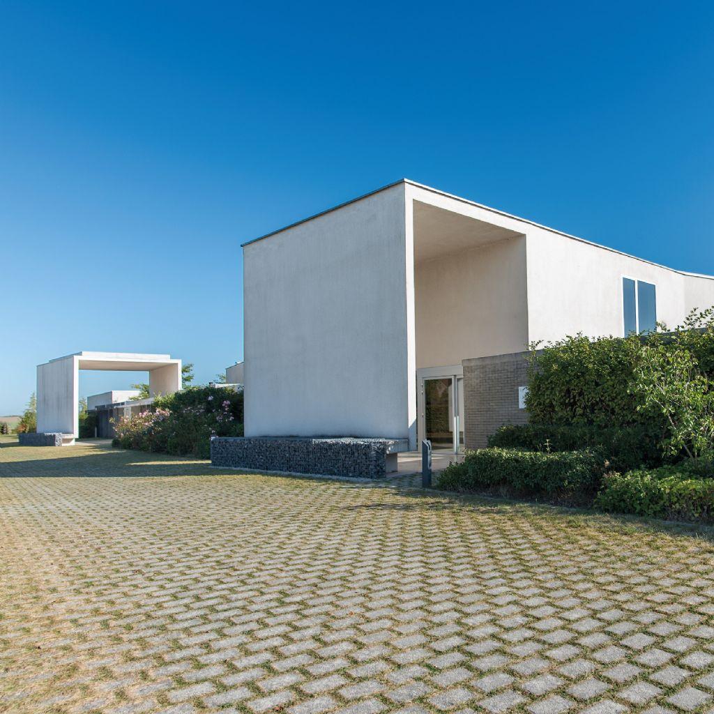 Crématorium des Blancs Arbres, 2010 (Association momentanée TEAU / Jourdain Architectes Associés)