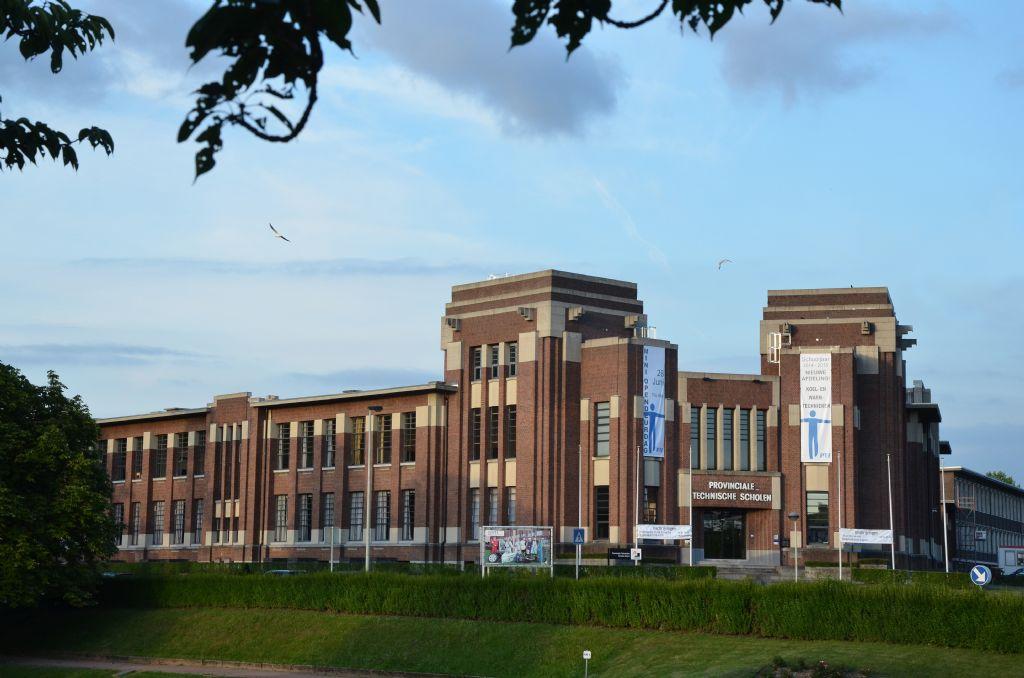 Une nouvelle toiture pour l'école technique provinciale de Boom