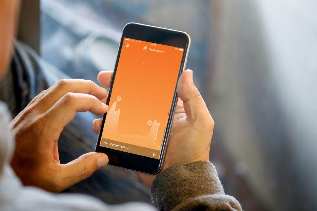 Je kan alle parameters in real time volgen via de bijbehorende app op je smartphone én ook de historiek oproepen.