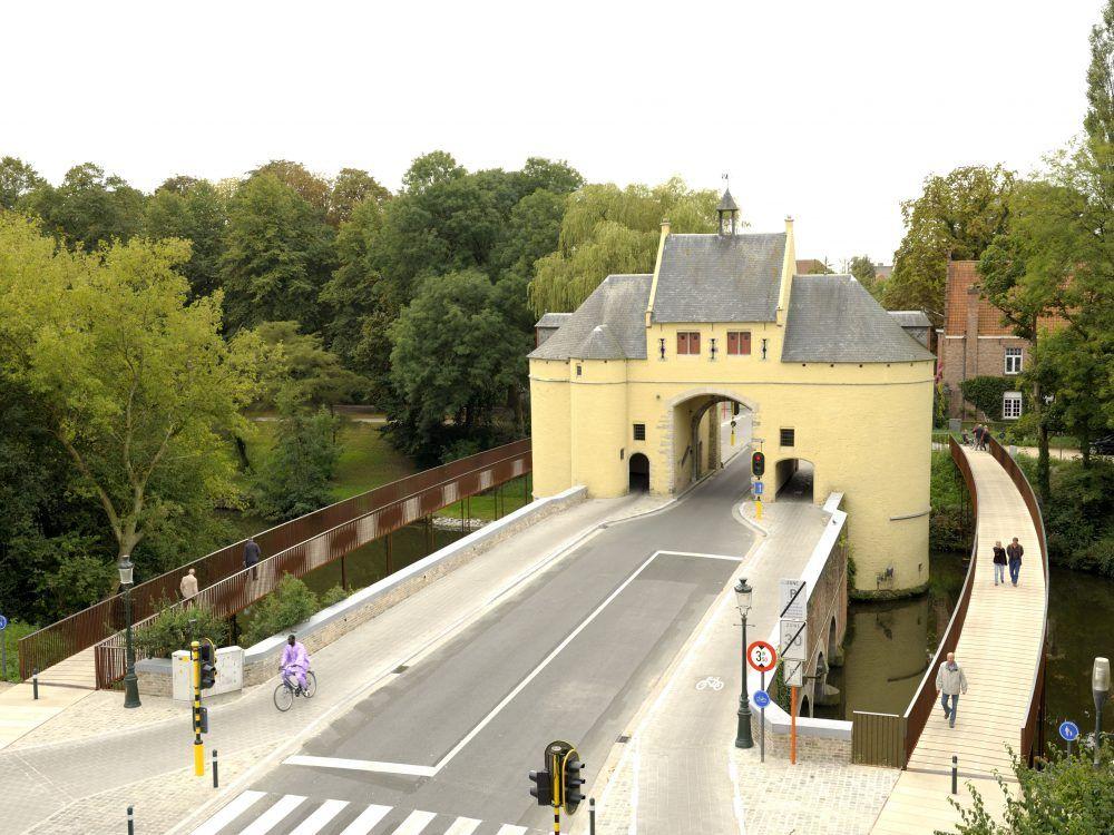 De Smedenpoort loopbruggen in Brugge.