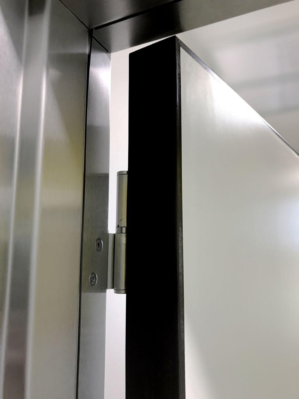 Hygiënische en esthetische oplossing voor binnendeuren met ingegoten scharnieren