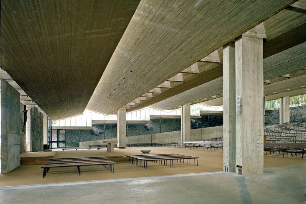Basilique de Beauraing (architecte : Roger Bastin, 1968)