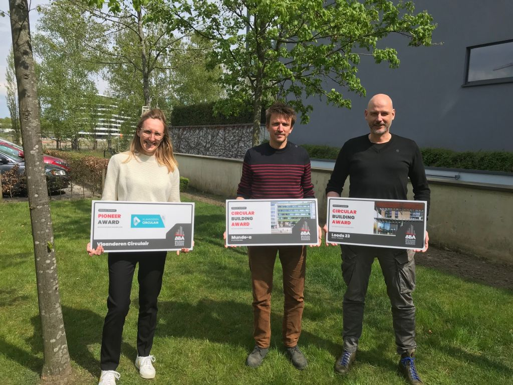 DENC!-STUDIO en B-architecten winnen Belgian Building Award 2021 in categorie Circular Building, eervolle vermelding voor Gare Maritime, Pioneer Award naar Roos Servaes en Vlaanderen Circulair