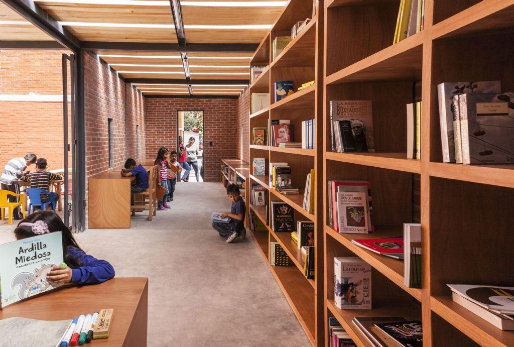Montiel ontwierp onder andere een bibliotheek.