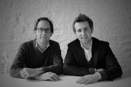 """Links Thomas Cols van Areal Architecten: """"De Vlaams Bouwmeester moet er vooral voor zorgen dat er een architectuurdebat is, dat architectuur zichtbaar gemaakt wordt, in de zin dat architecturale kwaliteit benadrukt wordt."""""""