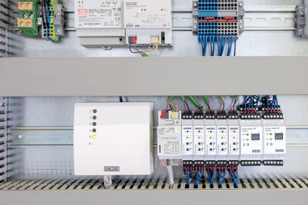 IQ-Box Safety maakt het mogelijk om elektrisch bediende ramen te beveiligen tot beschermingsklasse 4