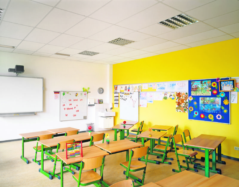 Met het systeem beschikken kantoren, scholen en winkels over een veilig plafond.