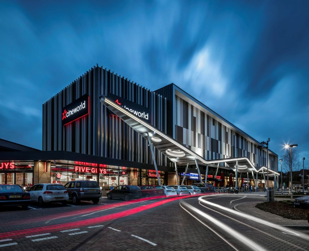 "Recentelijk zijn ROCKPANEL Chameleon en Colours toegepast op een gevel van  Cineworld, een bioscoop in Whiteley (UK) welke een BREEAM rating ""Excellent"" heeft ontvangen."