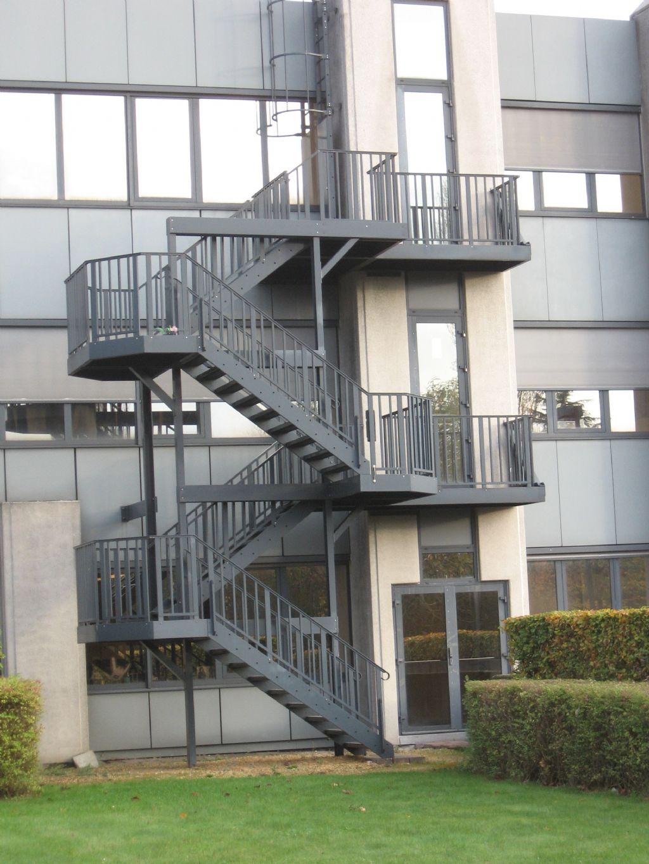 Vluchtwegen: een cruciale maatoplossing voor elk gebouw