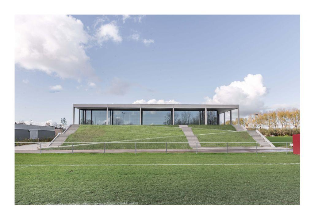 BBA Utility Building : infrastructure sportive pour le Rugby Club de Bruges (net architectuur)