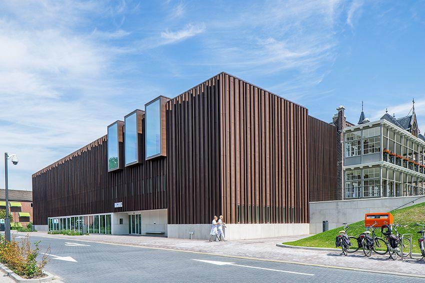 IAA Architecten étend le monumental hôpital d'Oldenzaal avec VMZINC
