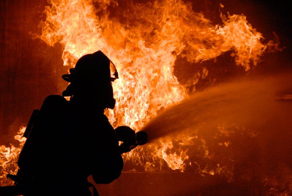 Waarom brandstabiliteit te allen tijde gegarandeerd moet worden in het plafond