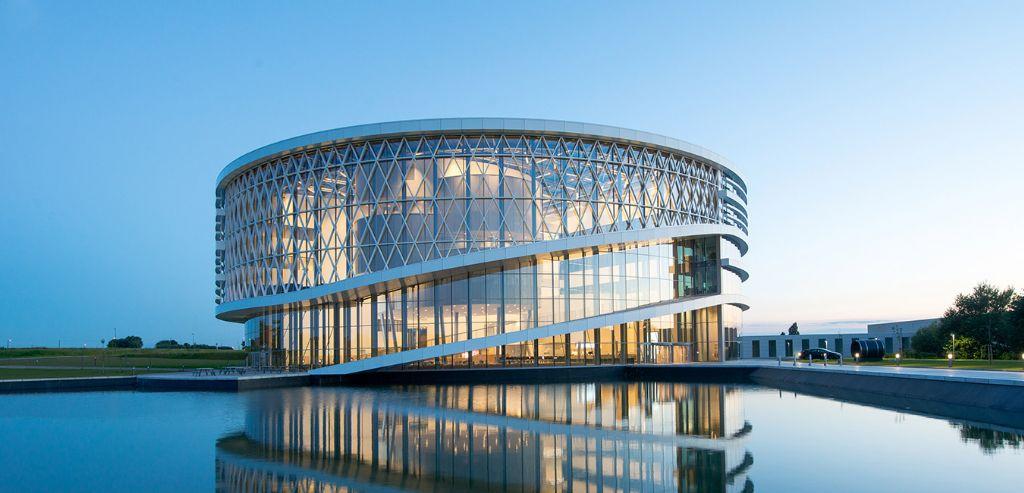 Technisch is het Barco-gebouw een hoogstandje, en zo ziet het er ook uit. (Foto: Jaspers-Eyers Architects)