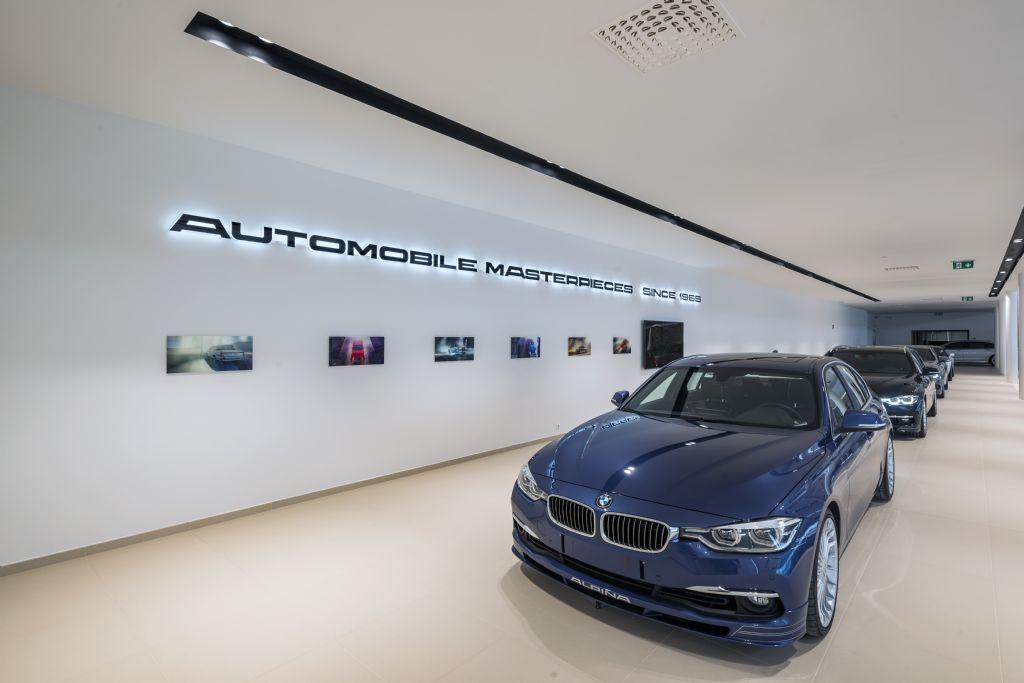 Une finition intérieure Knauf pour des showrooms d'automobiles de luxe