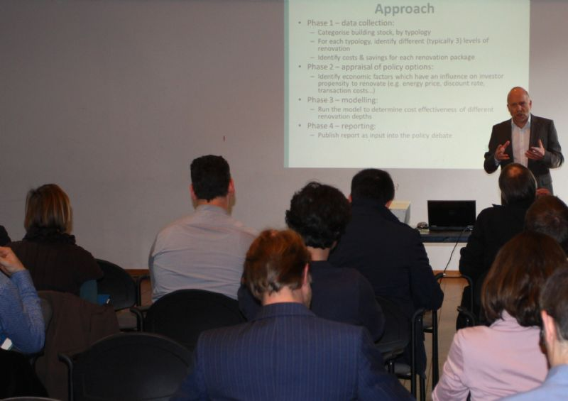 Olivier Rapf van het Buildings Performance Institute Europe focust op energie-efficientie in een bebouwde omgeving.