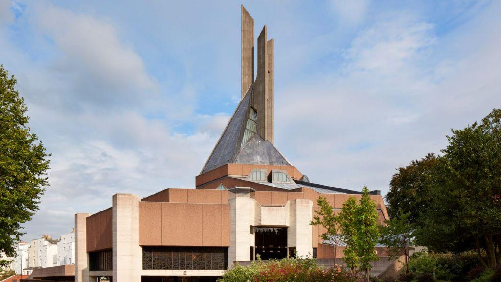 Brutalistische kathedraal in Bristol stevig gerenoveerd