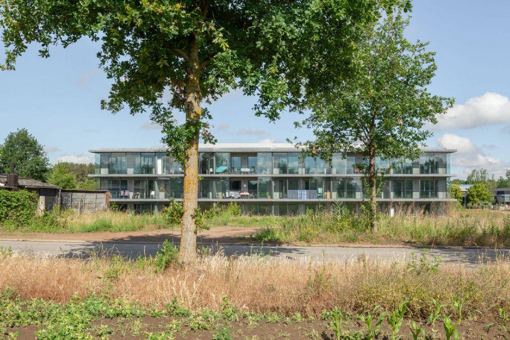 Atelier Kempe Thill breidt zorgcampus Heist-op-den-Berg uit met stadsvilla's i.s.m. Daniel van Doorslaer
