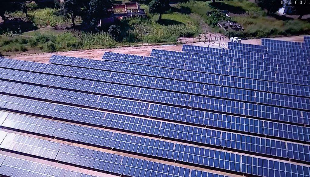 Het zonnepanelenpark in Manono dat een eervolle vermelding kreeg in de categorie Duurzame Infrastructuur.